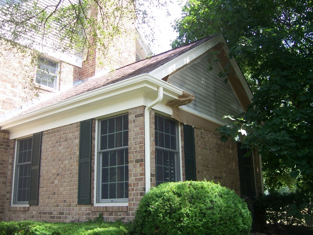 Painting contractor st charles il rhino shield st charles il for Exterior house painting companies